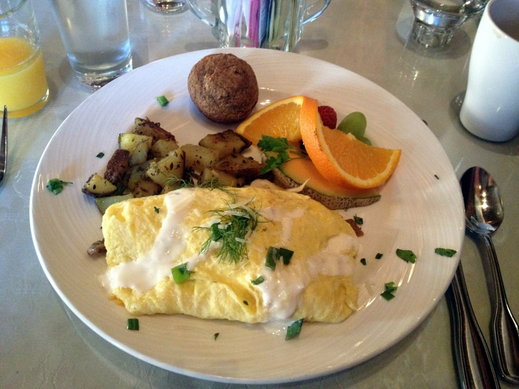 Shelburne Inn - DDD Daily Breakfast Special - Wild Mushroom and Sausage Omelet