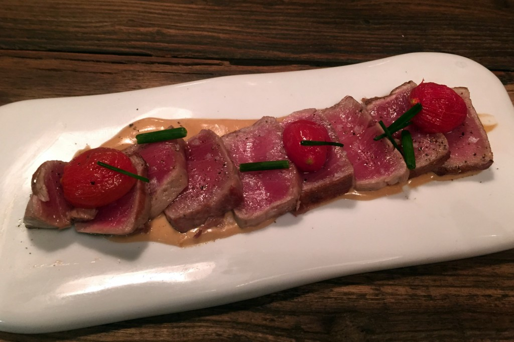 Suculent - Red tuna steak with pine nut sauce