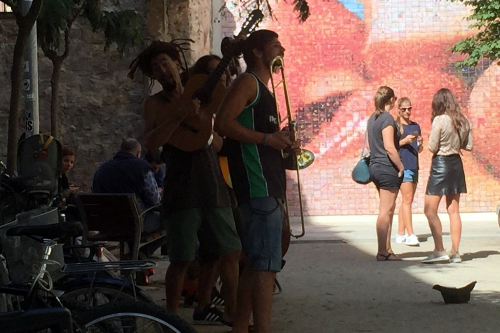 Street musicians in Barcelona